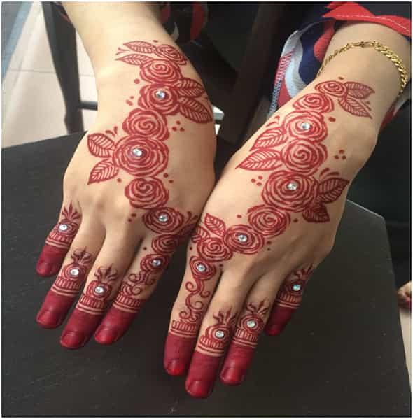 Mehndi Designs Full Of Roses